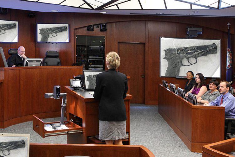 ۴ کاربرد ویدیو کنفرانس در سیستم قضایی